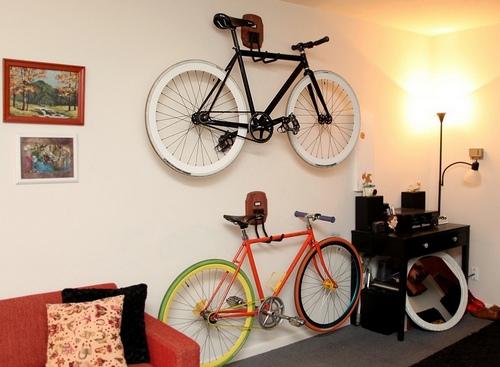 Крюки для подвешивания велосипеда на стену