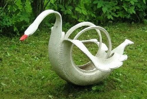 Лебедь из автомобильных шин