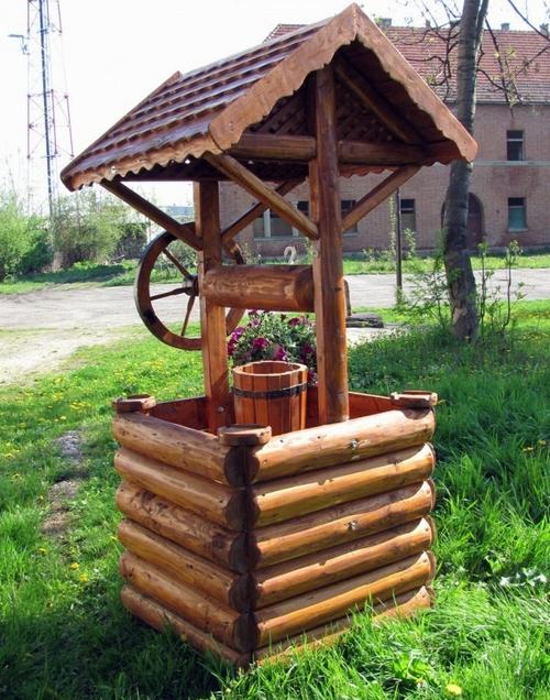 Деревянные декоративные колодцы фото