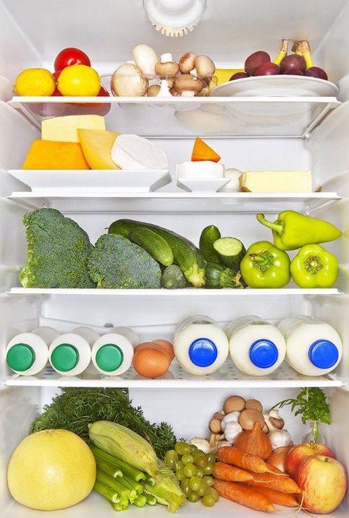 Здоровая еда в холодильнике