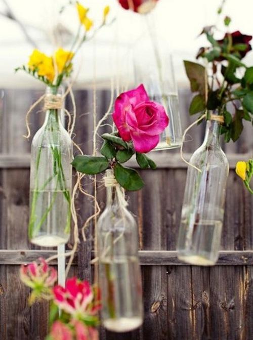 Простые вазы из бутылок