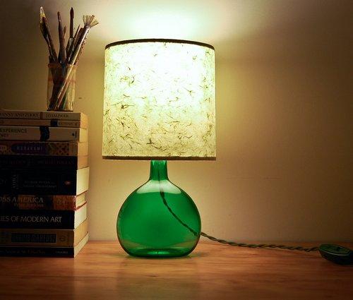 Настольная лампа из бутылки