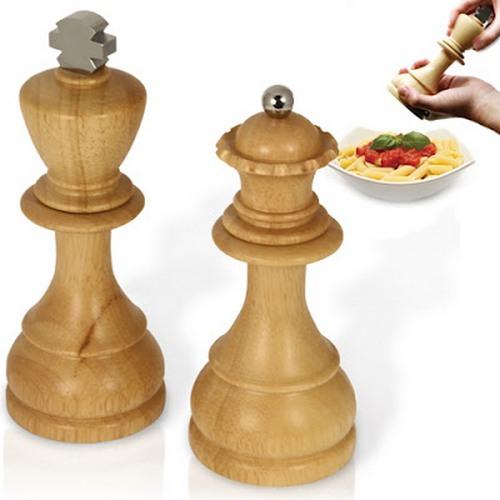 Деревянные мельницы для перца и соли - шахматные фигуры