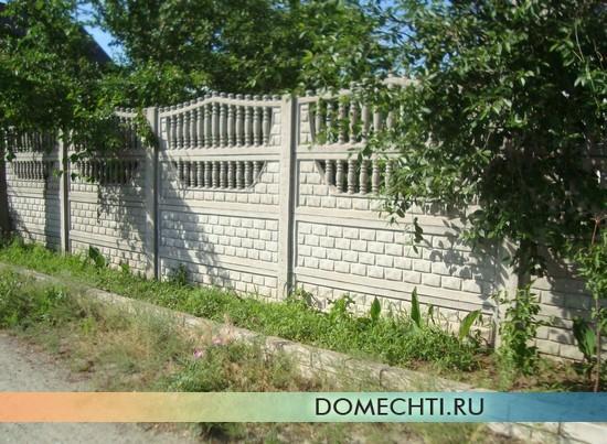 Декоративный забор из бетона фото