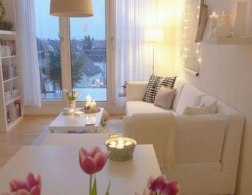 Как украсить гостиную свечами для романтического вечера