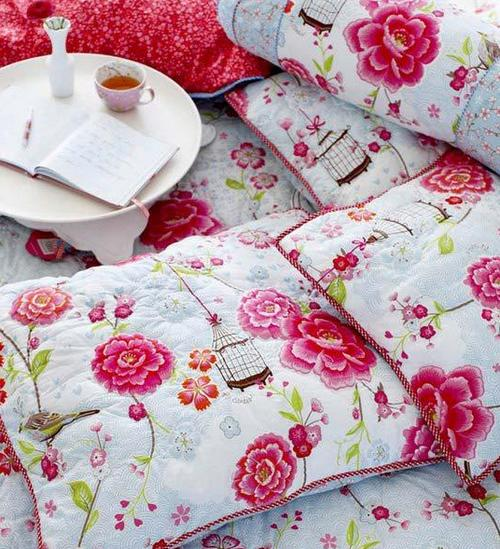 Дизайн подушек в летнем стиле