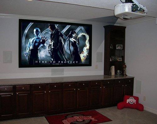 Потолочный проектор для домашнего кинотеатра