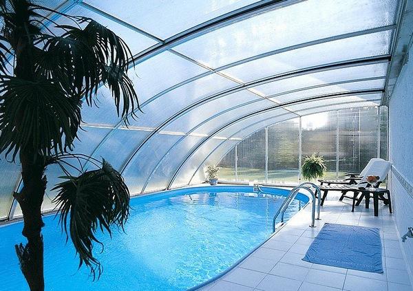 Павильон к крыше дома для бассейна