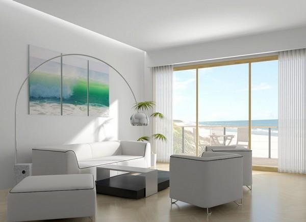 Коттедж на берегу с большими окнами
