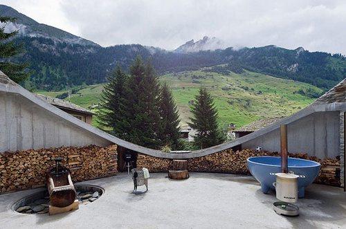 Дом построенный в горе, вилла Vals в Швейцарии