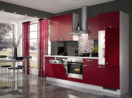 бордовая кухня в интерьере