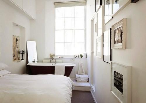 Дизайн спальни с ванной на подиуме