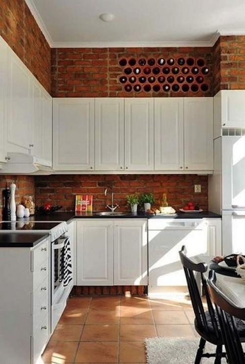 Кирпичные стены на кухне фото