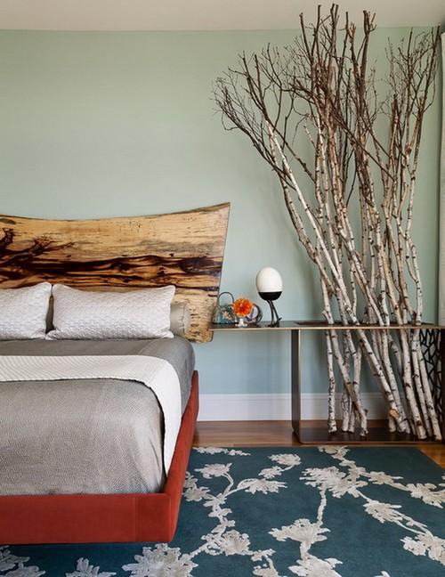 Ветки березы в интерьере спальни