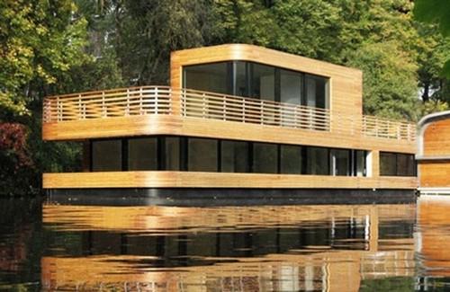 Хаусбот дом на воде