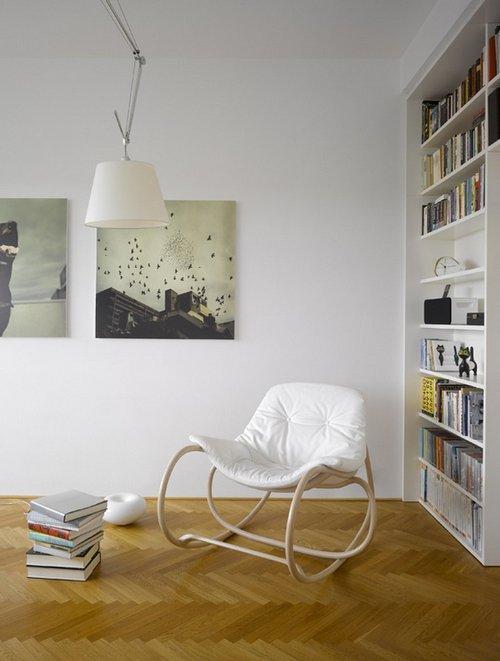 Мягкое качающееся кресло фото