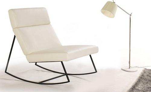 Белое кожаное кресло фото
