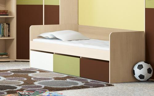 Детская кровать с ящиками для летних вещей