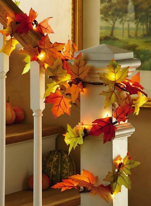 Гирлянда из листьев для украшения лестницы в доме