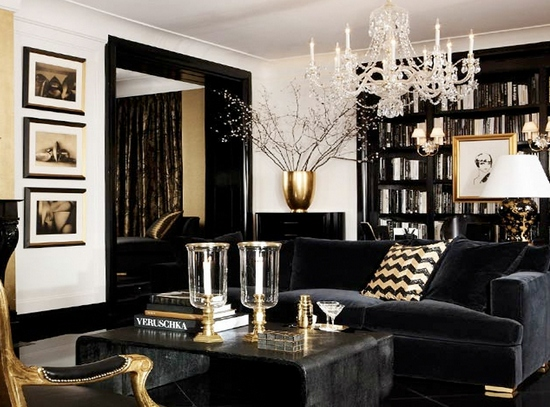 Черный и золотой цвет в интерьере гостиной