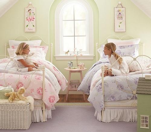 детская комната для девочек двойняшек