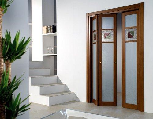 Складные двери гармошка в интерьере
