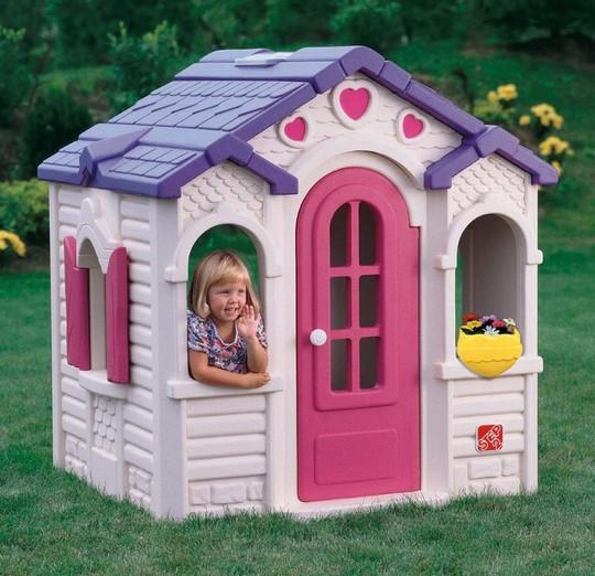 Пластиковый игровой домик для детей