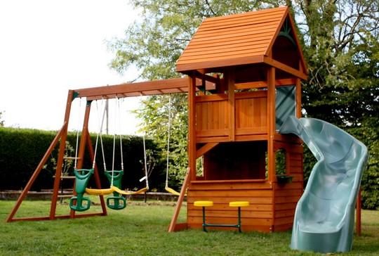 Детская игровая площадка с домиком для дачи