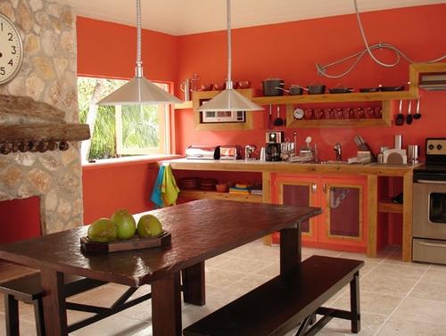 кухня кораллового цвета