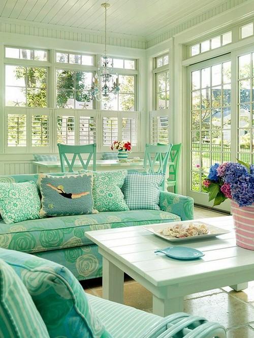 Красивый интерьер гостиной в мятных тонах