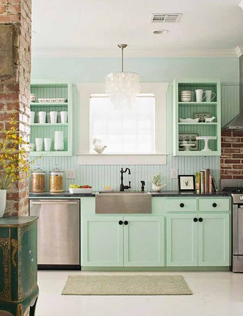 Кухня в мятном цвете