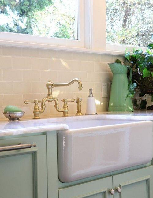 Мятный цвет в интерьере кухни