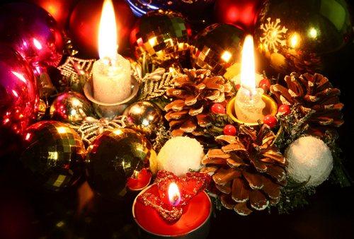 Декор для свечей из шишек