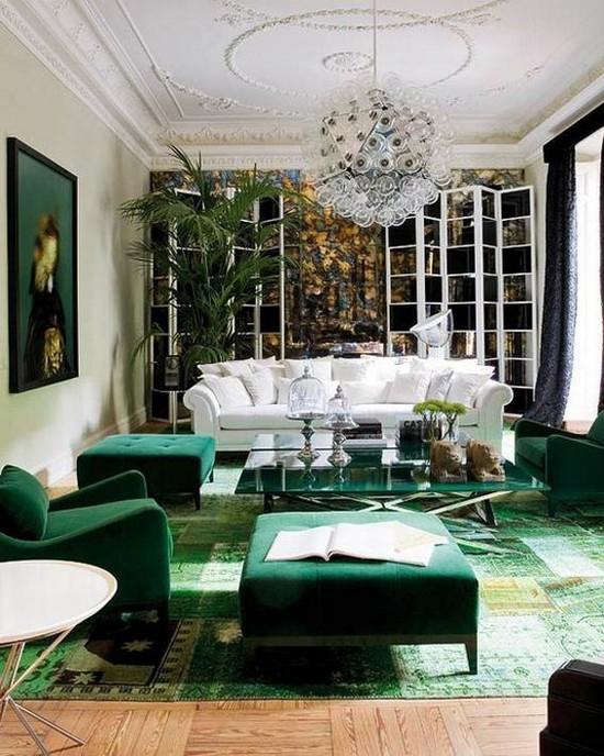 Ковер и мягкая мебель изумрудного цвета