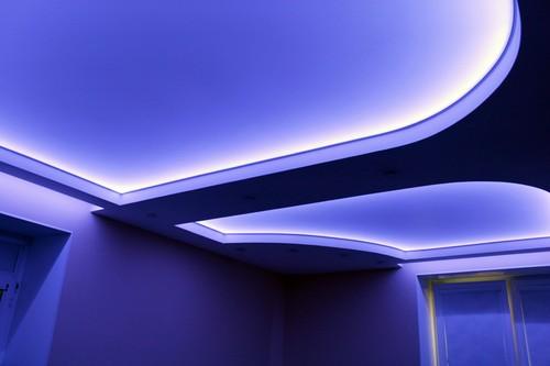 Натяжные потолки с неоновой подсветкой фото