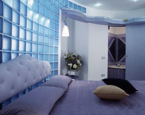 Стеклоблоки в интерьере спальни фото