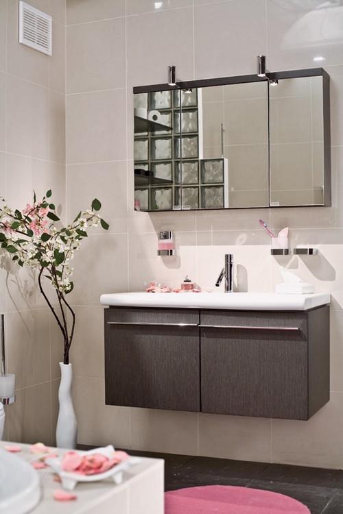 Перегородка из стеклоблоков в ванной