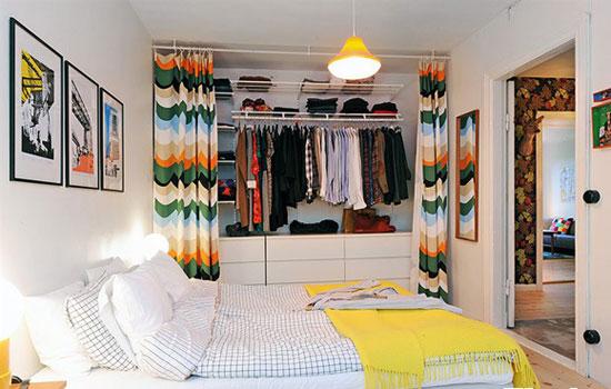 Гардеробная в комнате модницы