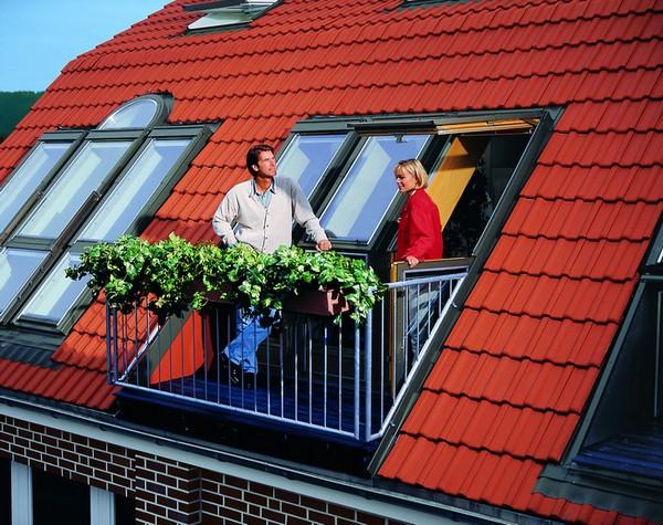 Мансардное окно люкарна с балконом фото