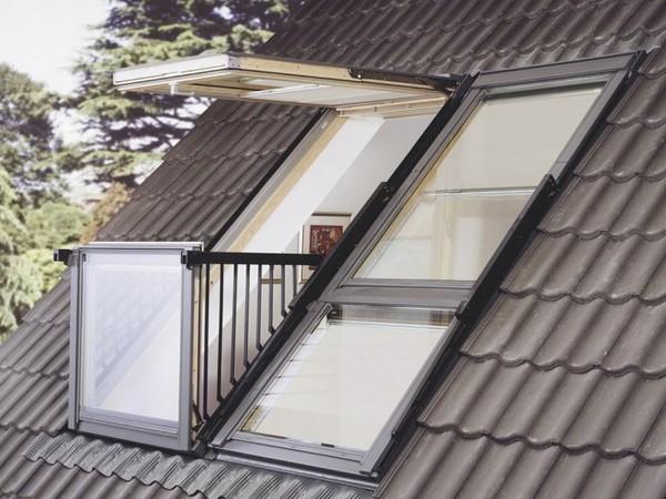 Люкарна в крыше с балконом