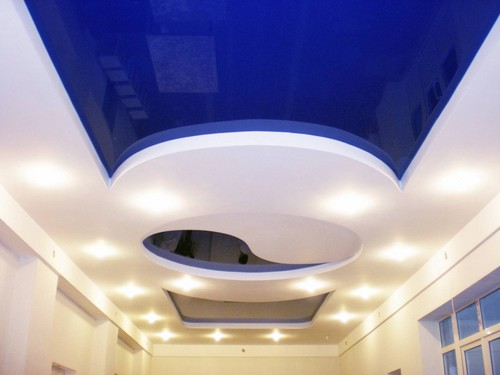 Уход за натяжными глянцевыми потолками