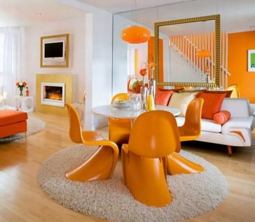 Сочетание абрикосового цвета в интерьере гостиной с белым