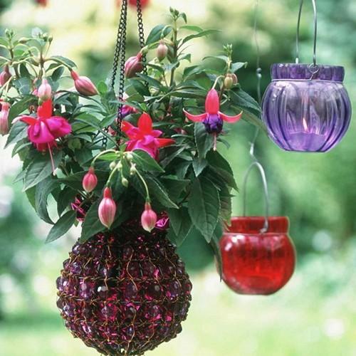 Оригинальные подвесные вазоны для цветов
