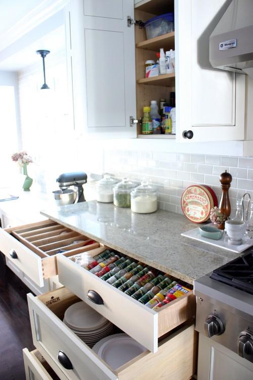 Системы выдвижных ящиков для кухни