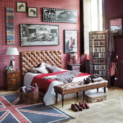 Ковер-флаг в интерьере спальни фото