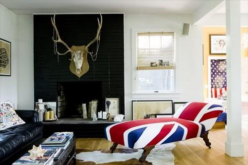 Диван-софа с обивкой в виде британского флага