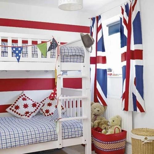 Британский флаг в интерьере детской комнаты