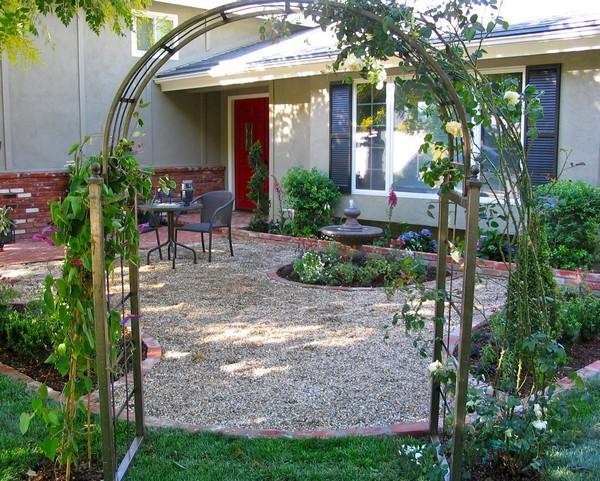 Патио на даче во дворе