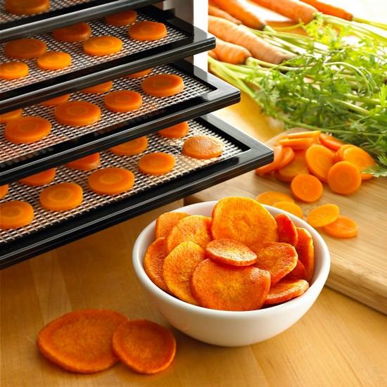 Сушеная морковь в овощесушилке