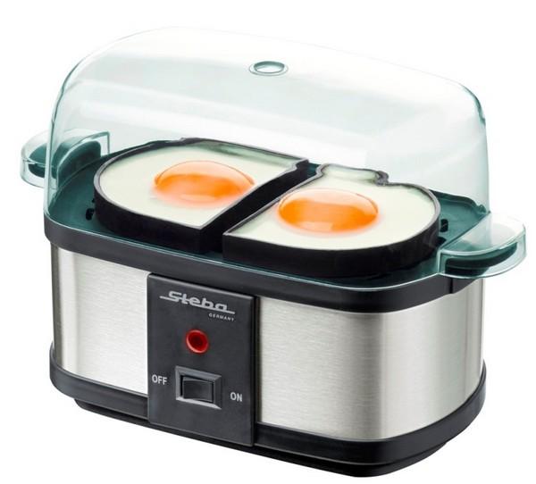 Яичница на пару в яйцеварке